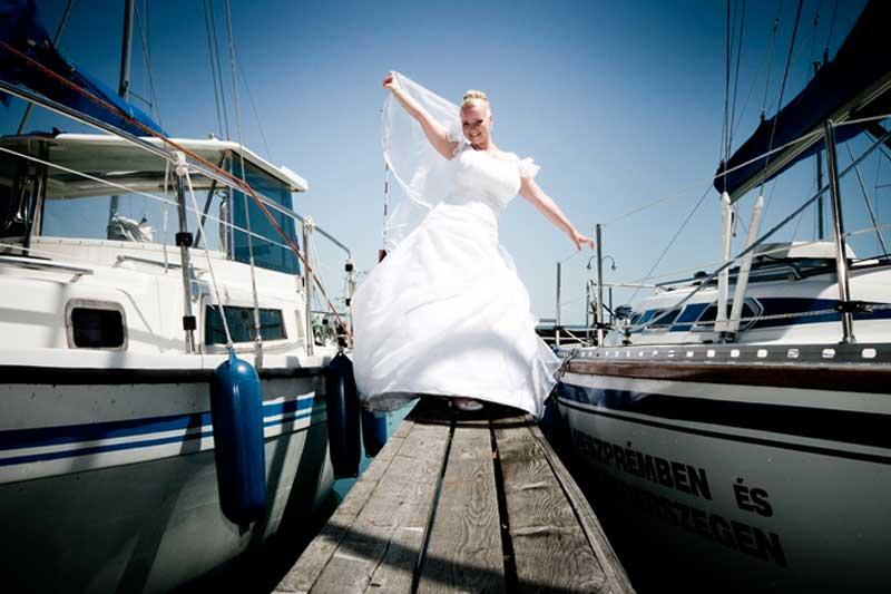 menyasszonyi-ruhak-2012-featured-image